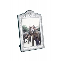 FR609   Victorian Style Photo Frame With Velvet Back 6cm x 9cm Sterling Silver Ari D Norman