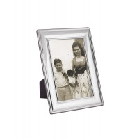 FR700   Plain Photo Frame With Wooden Back 6cm x 9cm Sterling Silver Ari D Norman