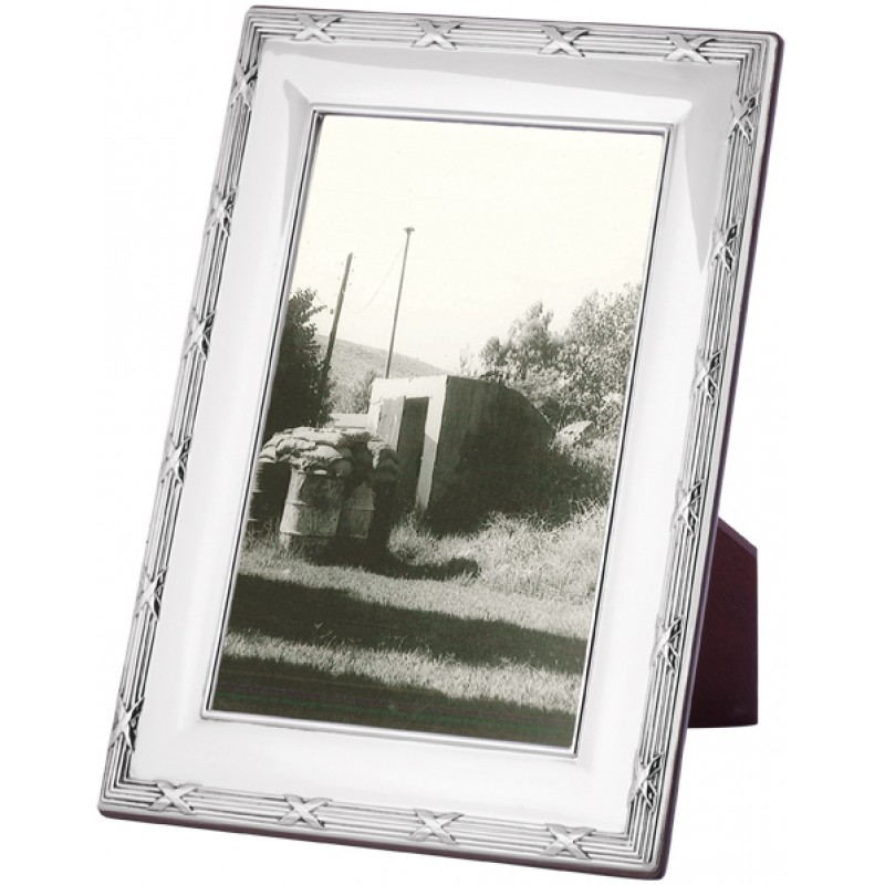 FR715 Ribbon And Reed Photo Frame With Wooden Back 20cm x 25cm ...