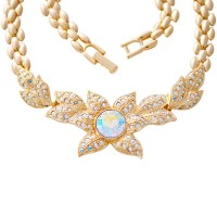 ANC5   Gold Plated Metal Alloy and Austrian Crystal Flower Necklace Jewelari of London