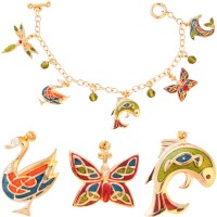 JBT23   Gold Plated Charm Bracelet Jewelari of London