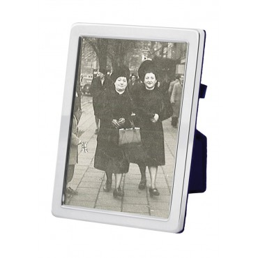 FR548   Plain Photo Frame With Velvet Back 13cm x 18cm Sterling Silver Ari D Norman