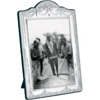 FR618   Victorian Style Photo Frame With Velvet Back 20cm x 25cm Sterling Silver Ari D Norman